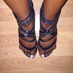 Vince Camuto Blk Gladiator Sandals